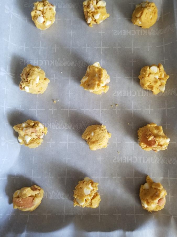 banana pudding cookies ready for baking
